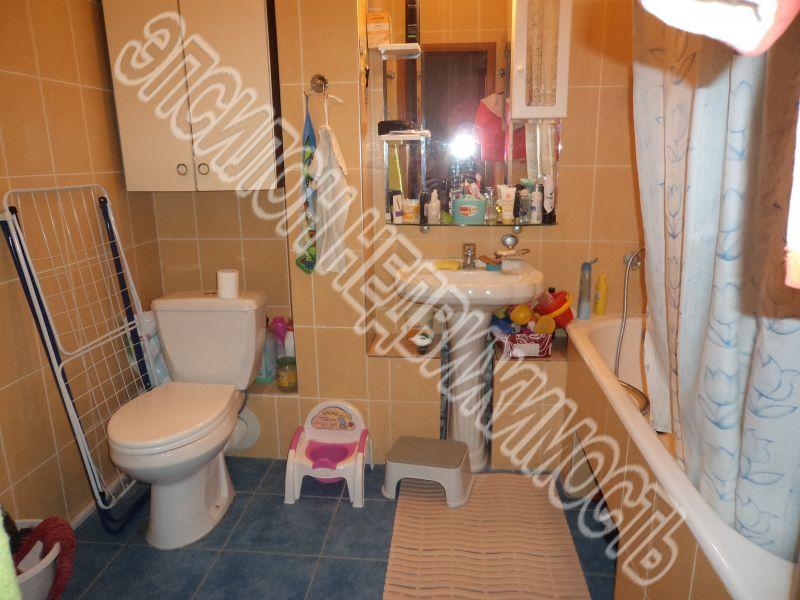Продам 3-комнатную квартиру в городе Курск, на улице К. Маркса, 72/14, 2-этаж 6-этажного Панель дома, площадь: 114/73/14 м2
