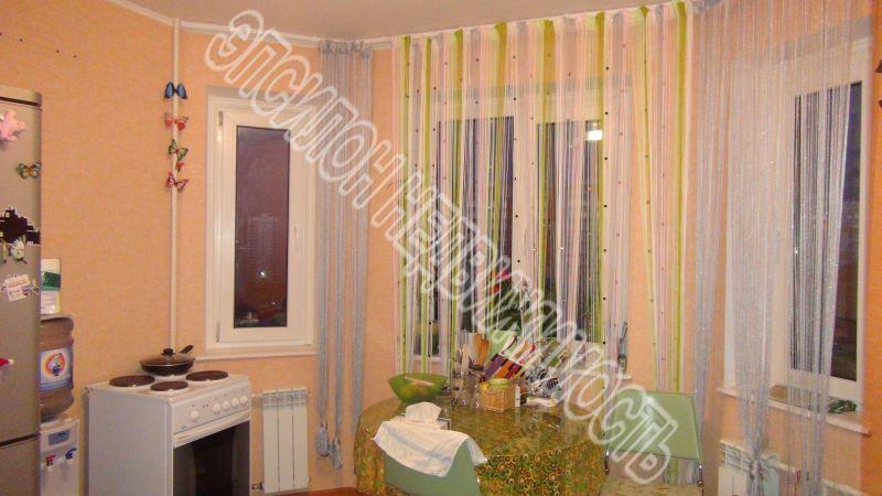 Продам 2-комнатную квартиру в городе Курск, на улице В. Клыкова пр-т, 39, 5-этаж 17-этажного Панель дома, площадь: 59.19/31.7/10.97 м2