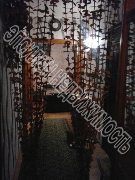 Продам 2-комнатную квартиру в городе Курск, на улице Крюкова, 9, 2-этаж 10-этажного Панель дома, площадь: 51/32/9.5 м2