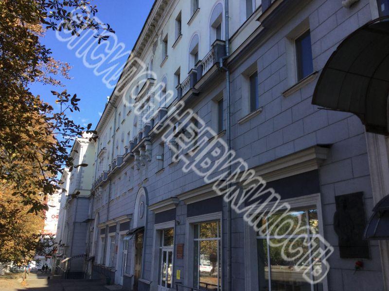 Продам 3-комнатную квартиру в городе Курск, на улице Дзержинского, 86, 3-этаж 5-этажного Кирпич дома, площадь: 66/47/7 м2