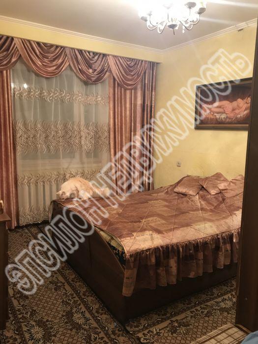 Продам 2-комнатную квартиру в городе Курск, на улице Орловская, 30, 1-этаж 9-этажного Панель дома, площадь: 47/28/7.8 м2