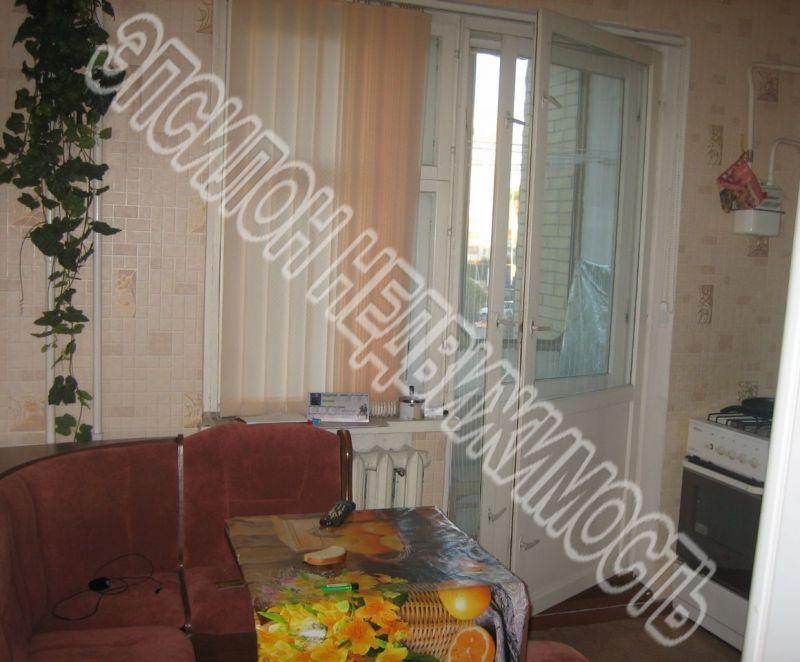 Продам 4-комнатную квартиру в городе Курск, на улице Хрущева пр-т, 5, 1-этаж 9-этажного Панель дома, площадь: 91/54/9 м2