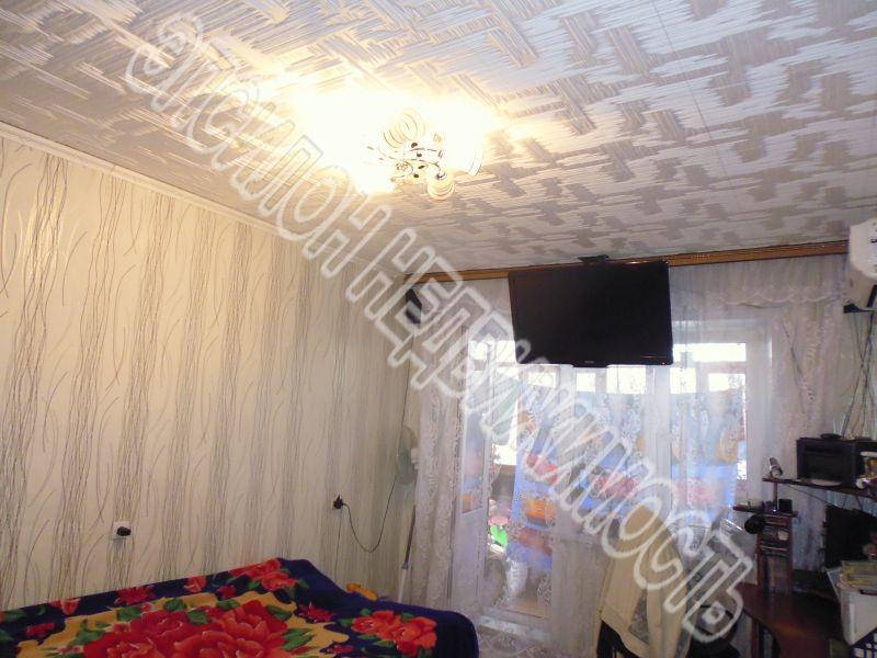 Продам 2-комнатную квартиру в городе Курск, на улице Кулакова пр-т, 5, 2-этаж 9-этажного Панель дома, площадь: 47.5/28/6.5 м2