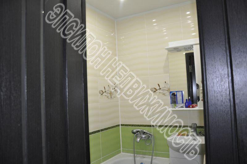 Продам 4-комнатную квартиру в городе Курск, на улице Народная, 7а, 4-этаж 5-этажного Кирпич дома, площадь: 61/48/6 м2