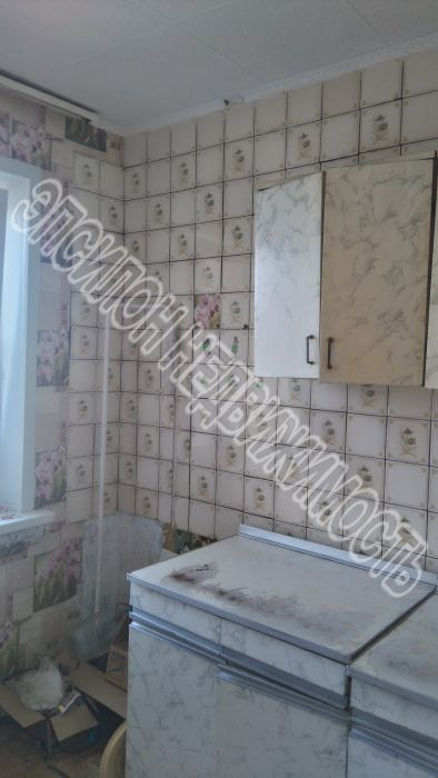 Продам 3-комнатную квартиру в городе Курск, на улице Республиканская, 52б, 9-этаж 9-этажного Панель дома, площадь: 61/37/8.3 м2