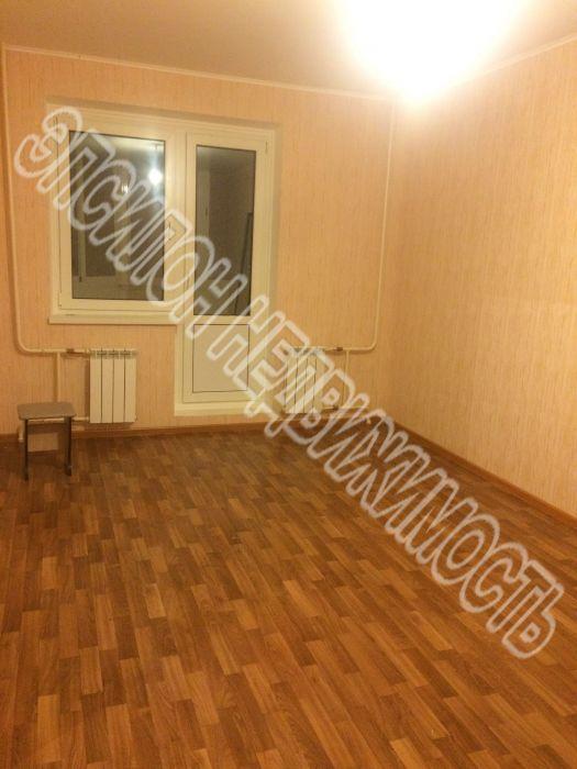 Продам 1-комнатную квартиру в городе Курск, на улице А. Дериглазова пр-т, 43, 11-этаж 17-этажного Панель дома, площадь: 37.2/17.16/9.77 м2