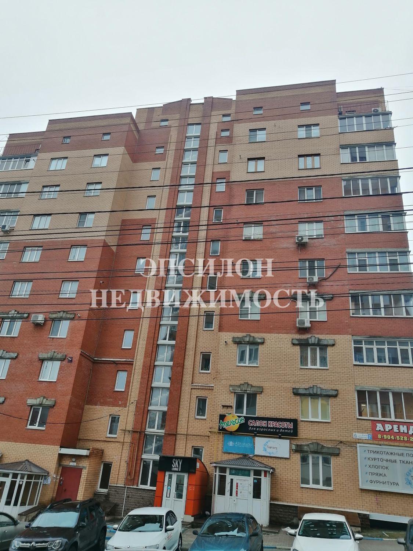 Продам 3-комнатную квартиру в городе Курск, на улице Кати Зеленко, 7, 4-этаж 10-этажного Кирпич дома, площадь: 96/58/12 м2