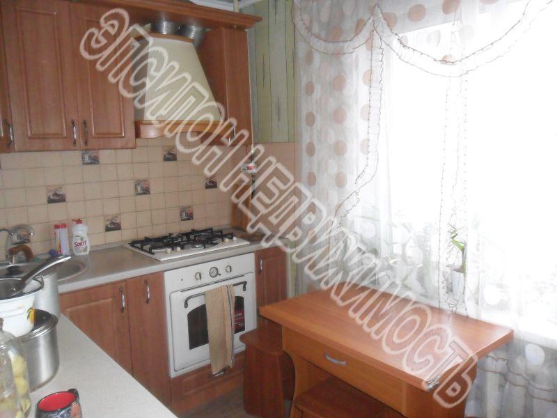 Продам 4-комнатную квартиру в городе Курск, на улице Маяковского, 109, 1-этаж 9-этажного Панель дома, площадь: 70/50/7.5 м2