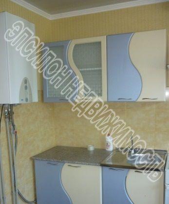 Продам 2-комнатную квартиру в городе Курск, на улице Бойцов 9-й Дивизии, 189, 4-этаж 10-этажного Панель дома, площадь: 52/32/8 м2