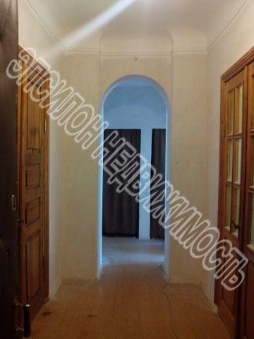 Продам 3-комнатную квартиру в городе Курск, на улице Дзержинского, 67, 4-этаж 4-этажного Кирпич дома, площадь: 73.3/49.8/7.8 м2