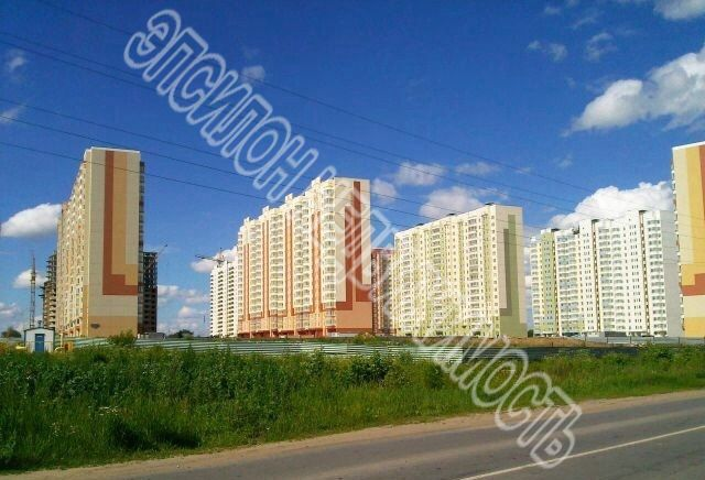 Продам 3-комнатную квартиру в городе Курск, на улице А. Дериглазова пр-т, 13, 14-этаж 17-этажного Панель дома, площадь: 84.83/45.85/9.77 м2