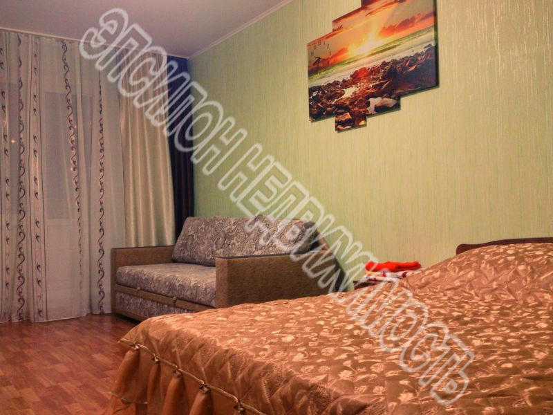 Сдам 2-комнатную квартиру в городе Курск, на улице В. Клыкова пр-т, 35, 17-этаж 17-этажного Панель дома, площадь: 60/32/10 м2