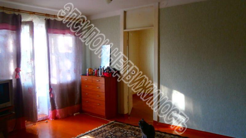 Продам 2-комнатную квартиру в городе Курск, на улице Ленинского Комсомола пр-т, 95, 3-этаж 5-этажного Панель дома, площадь: 46/27/6 м2