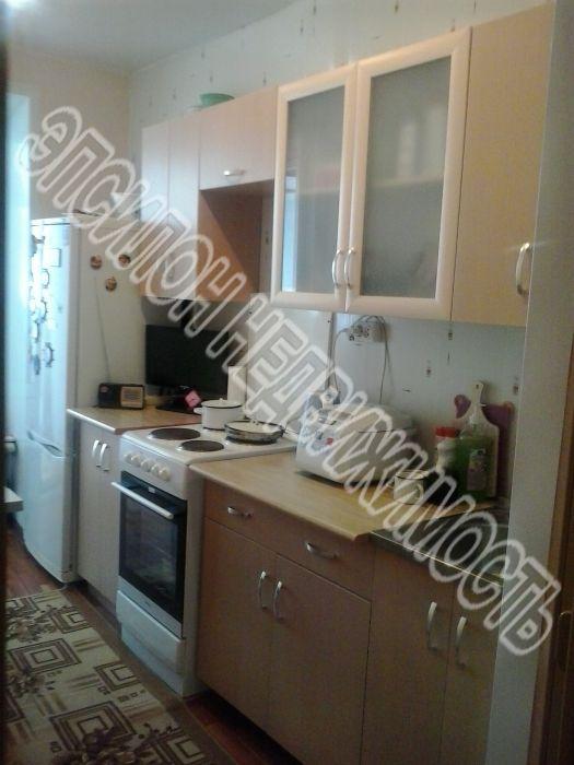 Продам 2-комнатную квартиру в городе Курск, на улице Республиканская, 60, 1-этаж 5-этажного Кирпич дома, площадь: 45/32/7.5 м2