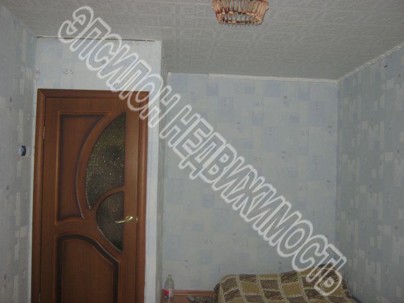 Продам 2-комнатную квартиру в городе Курск, на улице Ленинского Комсомола пр-т, 56, 1-этаж 5-этажного Панель дома, площадь: 47/30/6 м2