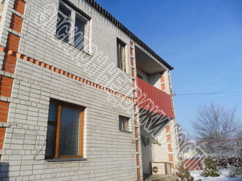 Город: Курск, улица: Щигровская 3-я, площадь: 284 м2, участок: 11 соток