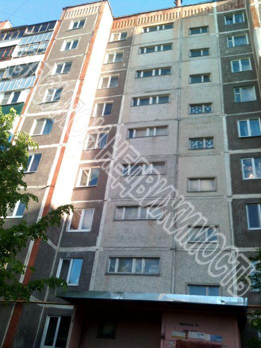 Продам 3-комнатную квартиру в городе Курск, на улице К.Воробьева, 25, 9-этаж 9-этажного Панель дома, площадь: 61/40/9 м2