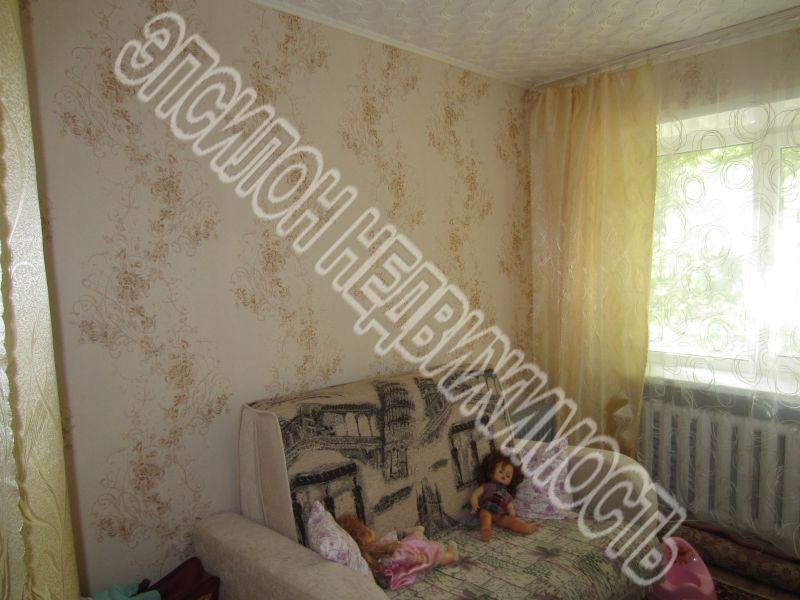 Продам 5-комнатную квартиру в городе Курск, на улице Дейнеки, 10, 1-этаж 4-этажного Кирпич дома, площадь: 87.5/62/11 м2