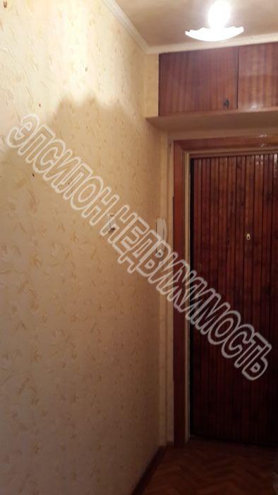 Продам 2-комнатную квартиру в городе Курск, на улице Комарова, 25, 5-этаж 5-этажного Панель дома, площадь: 44/24/6 м2