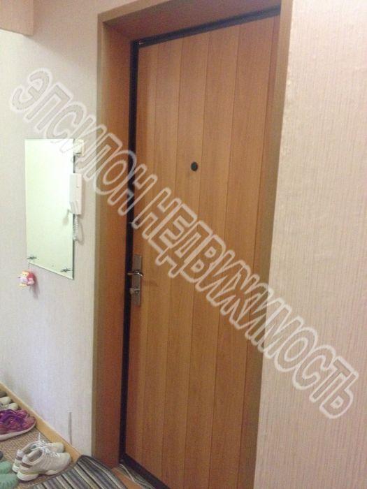 Продам 2-комнатную квартиру в городе Курск, на улице Победы пр-т, 8, 7-этаж 10-этажного Панель дома, площадь: 56.63/31.9/9.3 м2