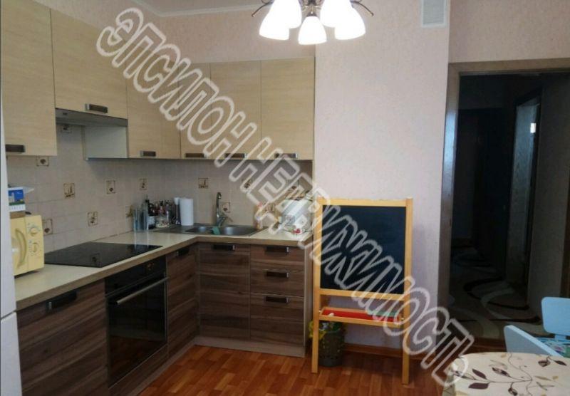 Продам 2-комнатную квартиру в городе Курск, на улице Победы пр-т, 44, 14-этаж 17-этажного Панель дома, площадь: 61.24/33.72/10.97 м2