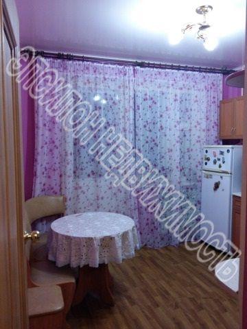 Продам 2-комнатную квартиру в городе Курск, на улице Победы пр-т, 6, 9-этаж 10-этажного Панель дома, площадь: 54/34.5/10 м2