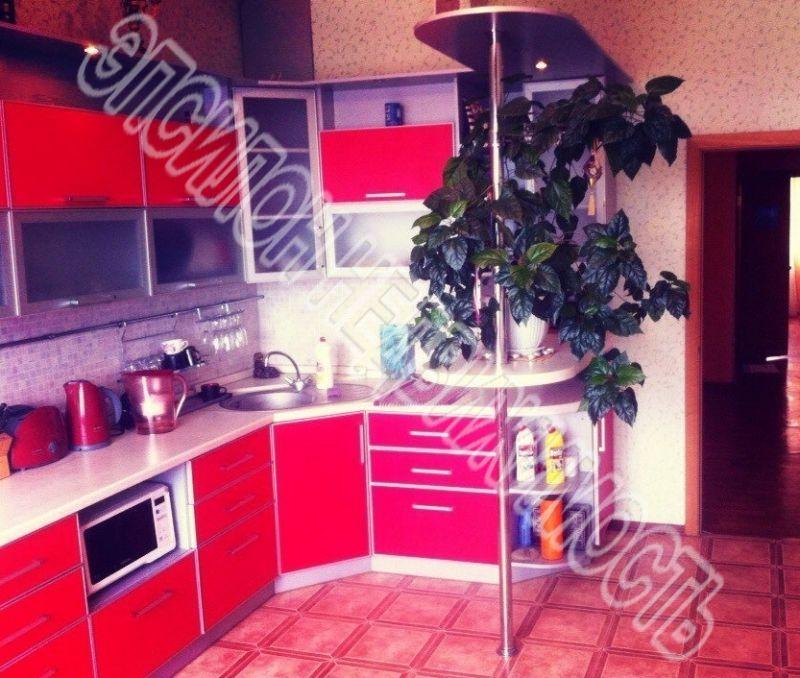 Продам 3-комнатную квартиру в городе Курск, на улице Победы пр-т, 26, 9-этаж 10-этажного Монолит дома, площадь: 112/61/15 м2