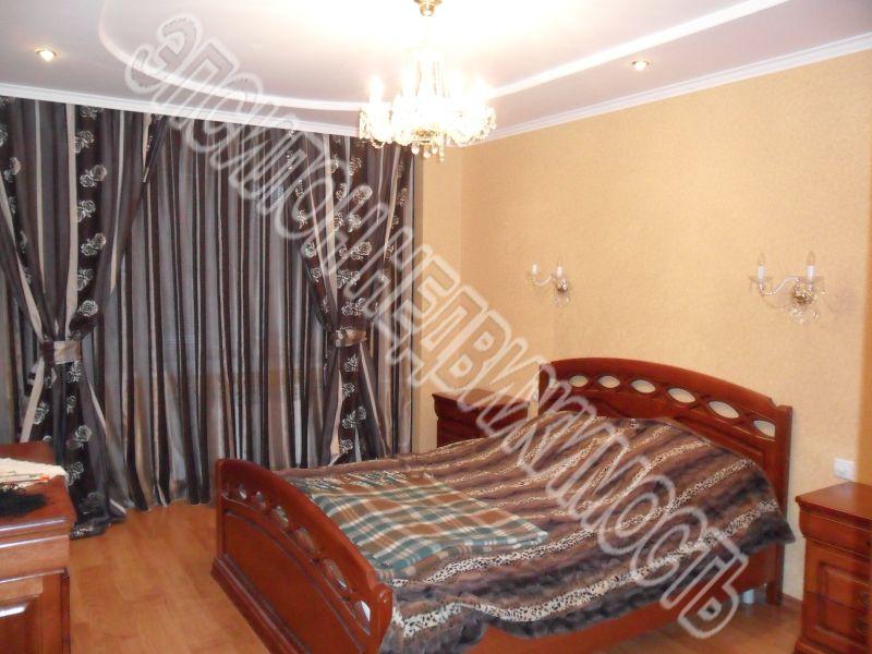 Продам 3-комнатную квартиру в городе Курск, на улице Овечкина, 10, 7-этаж 10-этажного Кирпич дома, площадь: 94/52/14 м2