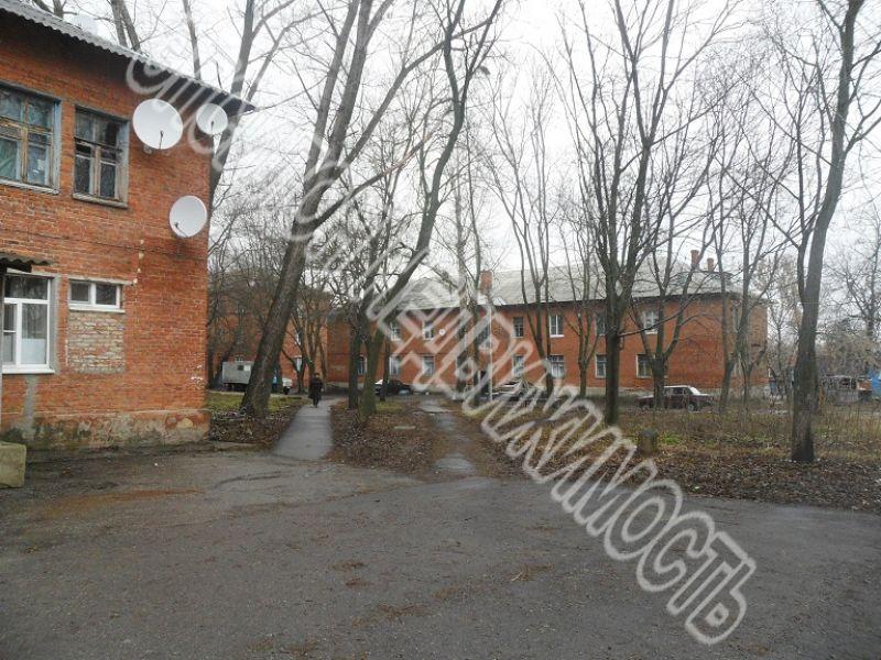 Продам 2 комнат[у,ы] в городе Курск, на улице Промышленный 1-й пер., 1-этаж 2-этажного Кирпич дома, площадь: 36.1/36.1/12 м2