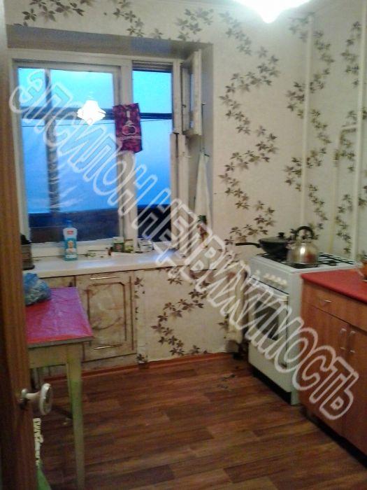 Продам 2-комнатную квартиру в городе Курск, на улице Черняховского, 62, 8-этаж 9-этажного Кирпич дома, площадь: 48/28/9 м2