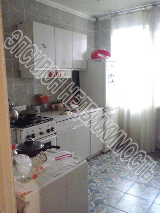 Продам 3-комнатную квартиру в городе Курск, на улице Ленинского Комсомола пр-т, 97, 9-этаж 9-этажного Панель дома, площадь: 61/37.8/8 м2