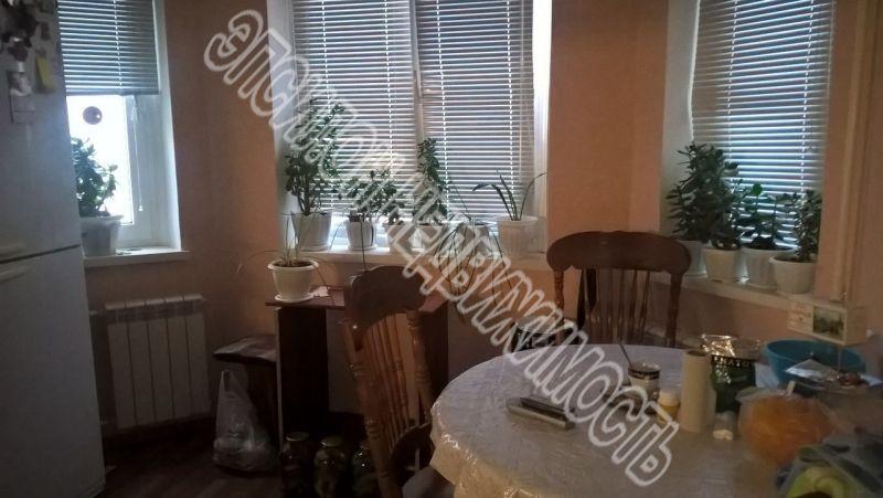 Продам 2-комнатную квартиру в городе Курск, на улице В. Клыкова пр-т, 50, 5-этаж 17-этажного Панель дома, площадь: 57.39/29.4/10.97 м2