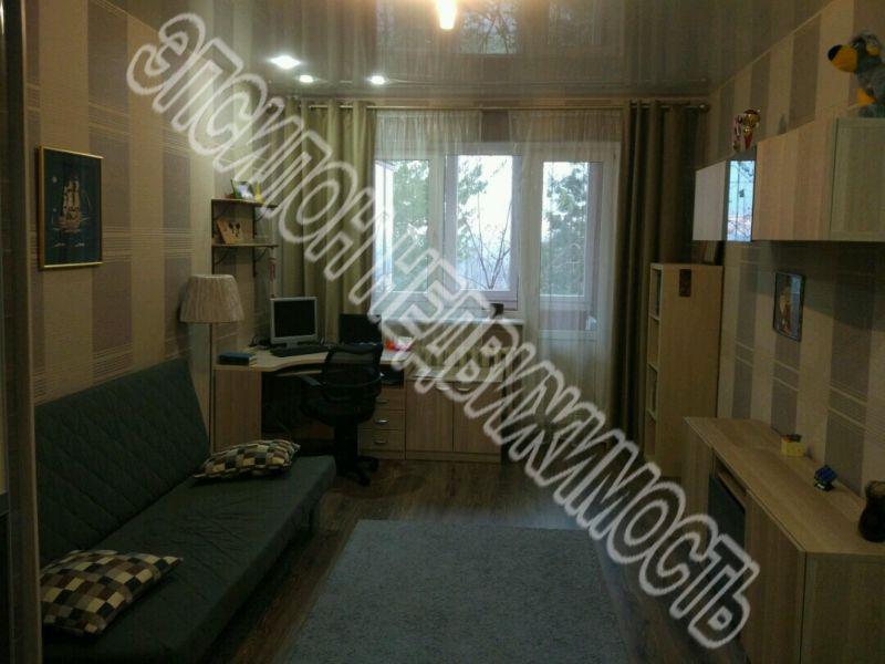 Продам 3-комнатную квартиру в городе Курск, на улице Володарского, 6, 2-этаж 6-этажного Кирпич дома, площадь: 105/55/12 м2
