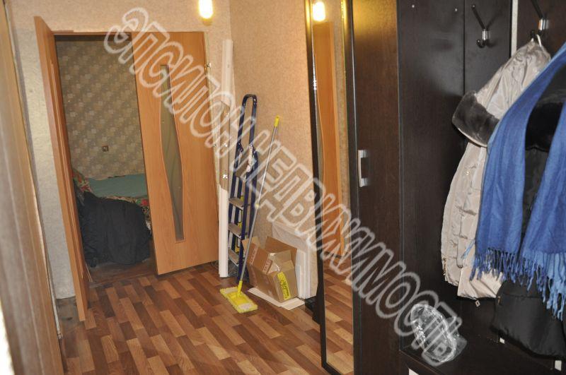 Продам 3-комнатную квартиру в городе Курск, на улице Харьковская, 22, 6-этаж 9-этажного Панель дома, площадь: 61/39/9 м2
