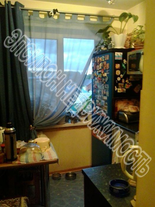 Продам 2-комнатную квартиру в городе Курск, на улице Черняховского, 16, 4-этаж 5-этажного Панель дома, площадь: 47/28/6 м2