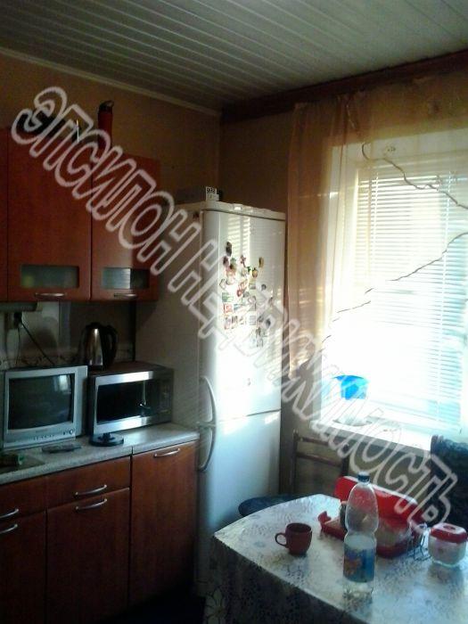 Продам 2-комнатную квартиру в городе Курск, на улице Крюкова, 9, 10-этаж 10-этажного Панель дома, площадь: 50.7/28.7/9.2 м2