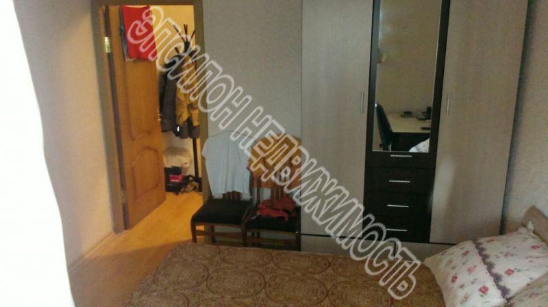 Продам 2-комнатную квартиру в городе Курск, на улице Черняховского, 30, 4-этаж 9-этажного Панель дома, площадь: 46/28/7.7 м2