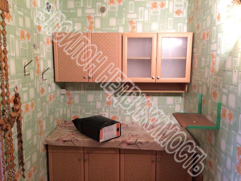Продам 1 комнат[у,ы] в городе Курск, на улице 50 лет Октября, 4-этаж 9-этажного Кирпич дома, площадь: 17.8/17.8/0 м2