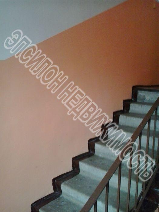 Продам 1 комнат[у,ы] в городе Курск, на улице Красный октябрь, 2-этаж 5-этажного Кирпич дома, площадь: 18/38/20 м2