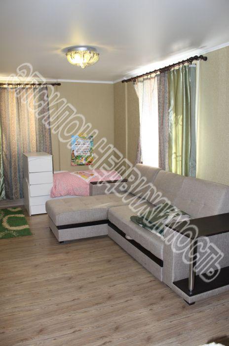 Продам 2-комнатную квартиру в городе Курск, на улице Рабочая 2-я, 10А/2, 1-этаж 5-этажного Кирпич дома, площадь: 63.3/31.6/15.8 м2