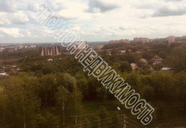 Продам 1-комнатную квартиру в городе Курск, на улице Хуторская, 13, 8-этаж 9-этажного Кирпич дома, площадь: 46/22/14 м2