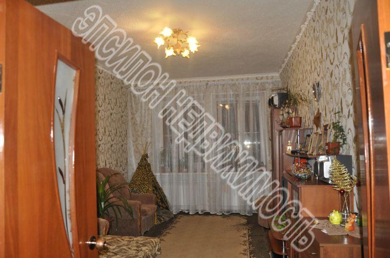 Продам 3-комнатную квартиру в городе Курск, на улице Народная, 10, 1-этаж 3-этажного Кирпич дома, площадь: 79/49.5/7 м2