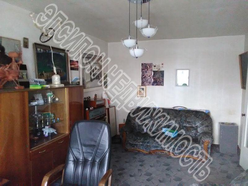 Продам 1-комнатную квартиру в городе Курск, на улице Красная площадь, 2/4, 4-этаж 5-этажного Кирпич дома, площадь: 37.5/20/10.5 м2