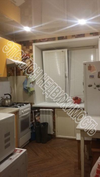 Продам 2-комнатную квартиру в городе Курск, на улице Черняховского, 60, 6-этаж 9-этажного Кирпич дома, площадь: 52/29.3/7.1 м2