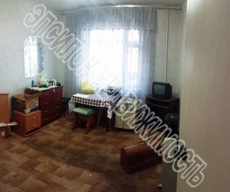 Продам 2-комнатную квартиру в городе Курск, на улице Кавказская, 37, 5-этаж 9-этажного Панель дома, площадь: 46/28/8 м2