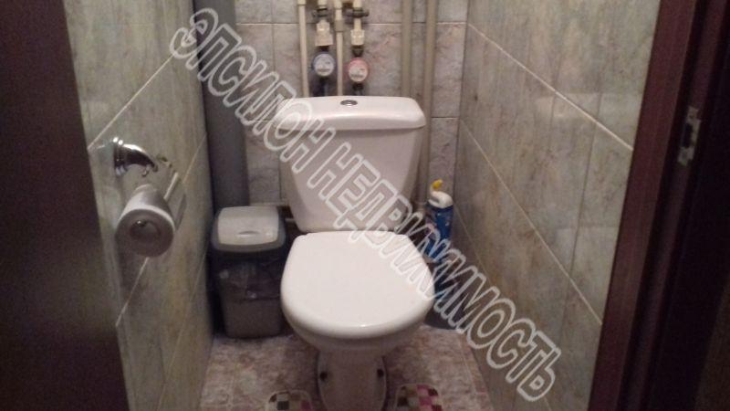 Продам 2-комнатную квартиру в городе Курск, на улице Карла маркса, 23а, 5-этаж 5-этажного Кирпич дома, площадь: 50.9/29.6/7.2 м2