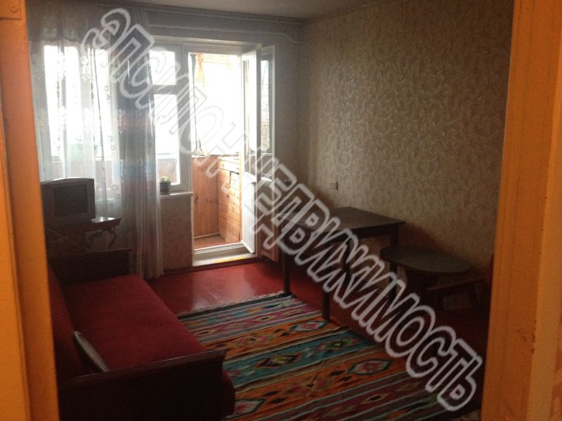 Продам 2-комнатную квартиру в городе Курск, на улице Комарова, 6, 5-этаж 5-этажного Панель дома, площадь: 44/29/6 м2