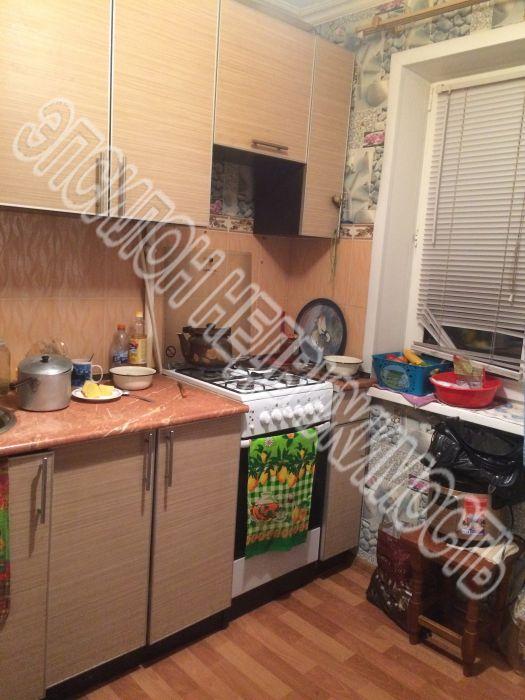 Продам 2-комнатную квартиру в городе Курск, на улице Менделеева, 55, 4-этаж 5-этажного Панель дома, площадь: 42/27/6 м2