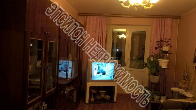 Продам 3-комнатную квартиру в городе Курск, на улице В. Клыкова пр-т, 41, 13-этаж 17-этажного Панель дома, площадь: 80.87/45.85/9.77 м2