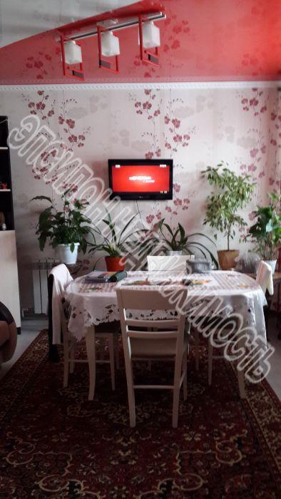 Продам 3-комнатную квартиру в городе Курск, на улице К. Либкнехта, 42б, 1-этаж 3-этажного Кирпич дома, площадь: 95/50/12 м2